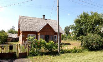 Namas Mickūnuose
